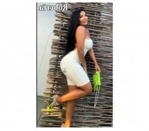 Reane african escorts Burlington, ON