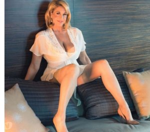 Flaura escort girl Johnston