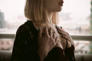 Dragica escort girl in Faribault, MN