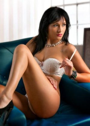 Gaell hot escorts Otley, UK