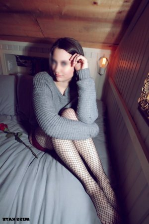 Najoua escort girl in Faribault